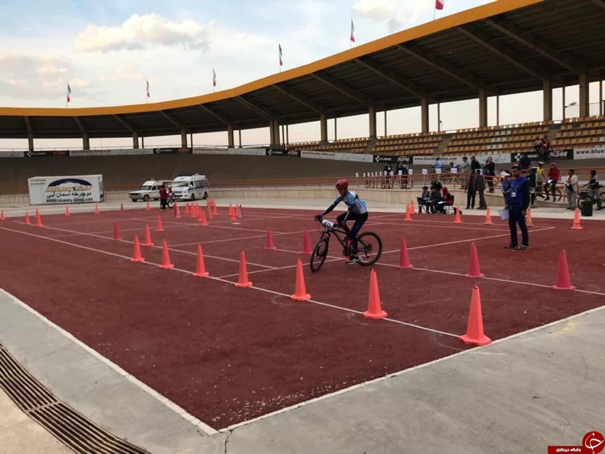 درخشش رکابزنان کرمانی در مسابقات استعداد های برتر کشور